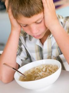 stor-dreng-foran-suppe